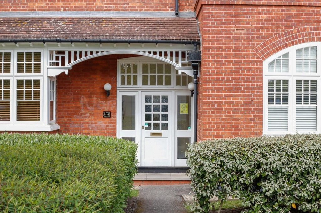 2 bed flat for sale in Acacia Way, Sidcup, DA15 - Property Image 1