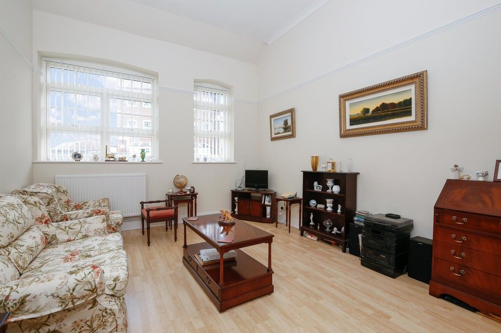 2 bed flat for sale in Acacia Way, Sidcup, DA15  - Property Image 4