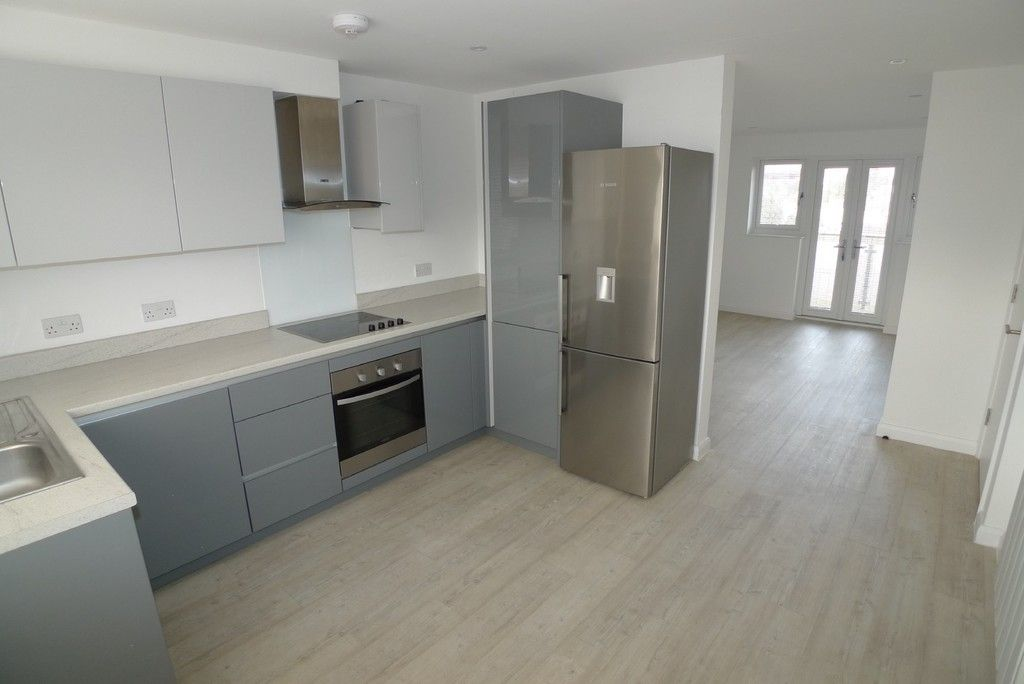 3 bed flat to rent in Frognal Place, Sidcup, DA14 2