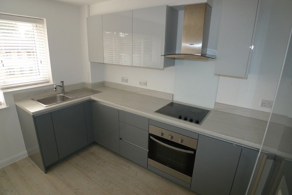 3 bed flat to rent in Frognal Place, Sidcup, DA14 4