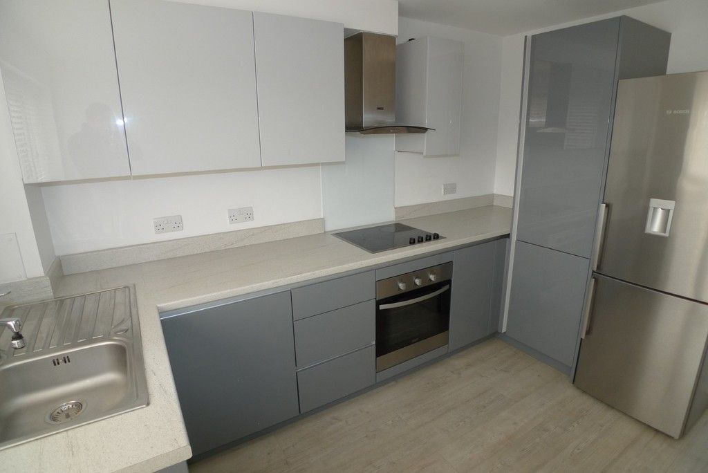 3 bed flat to rent in Frognal Place, Sidcup, DA14 5