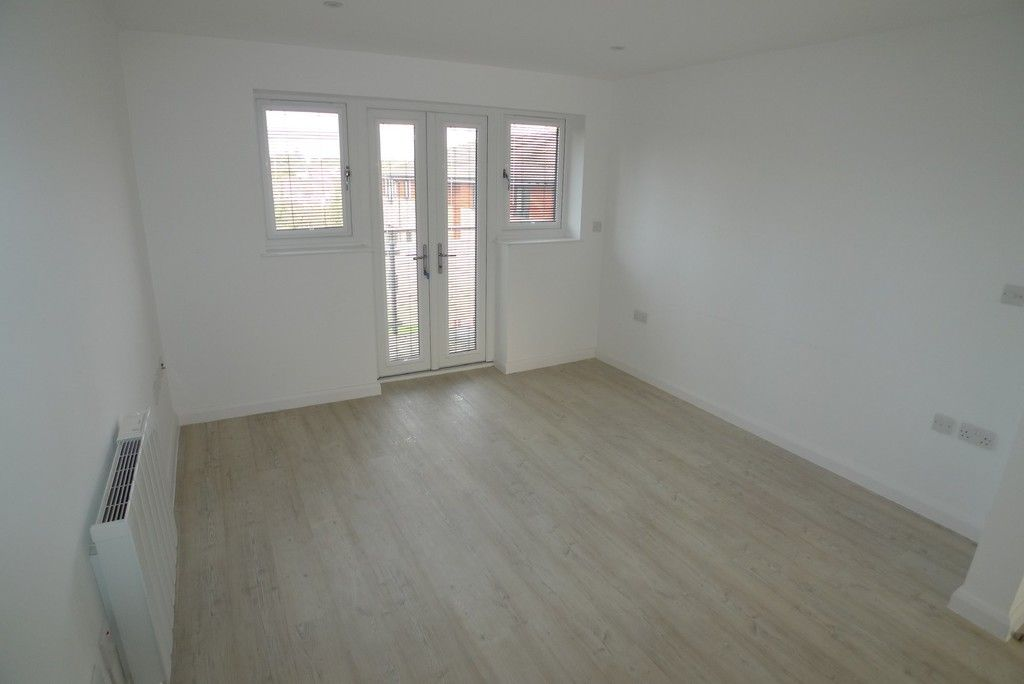 3 bed flat to rent in Frognal Place, Sidcup, DA14 6