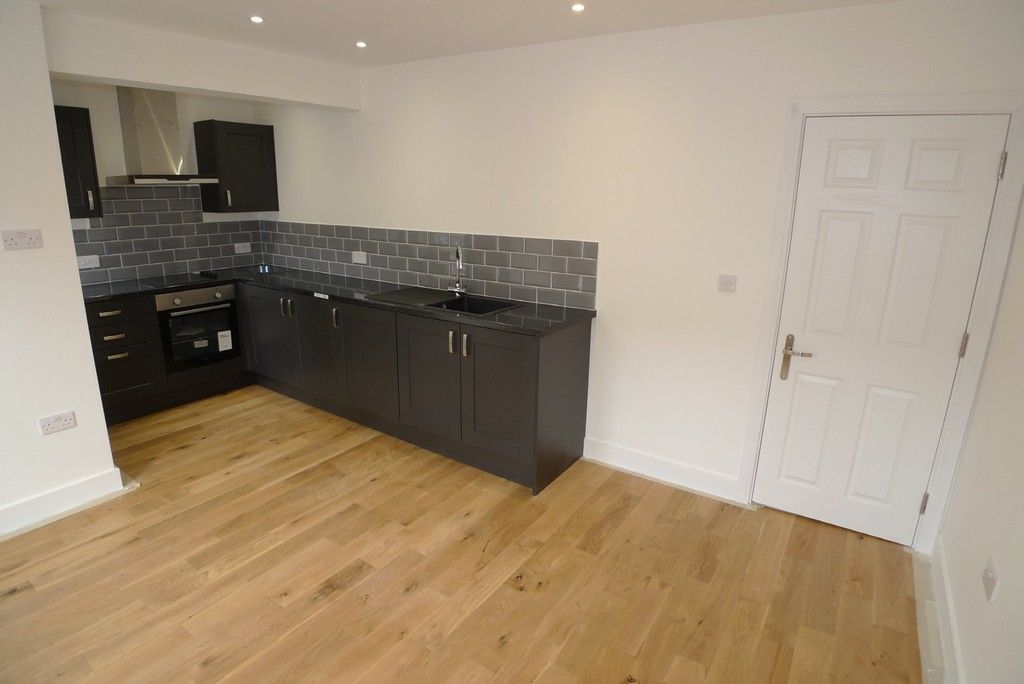 2 bed flat to rent in Station Road, Sidcup, DA15  - Property Image 2