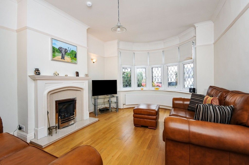 5 bed house for sale in Chaucer Road, Sidcup, DA15  - Property Image 2