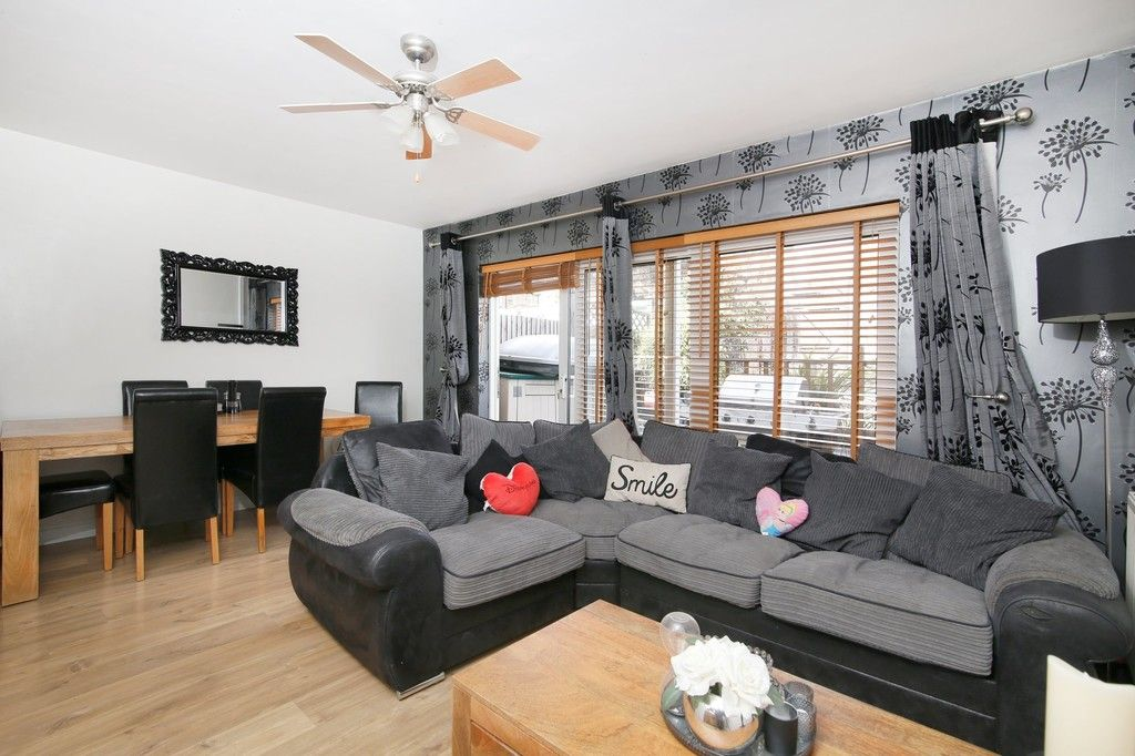3 bed house for sale in Overcourt Close, Sidcup, DA15  - Property Image 2