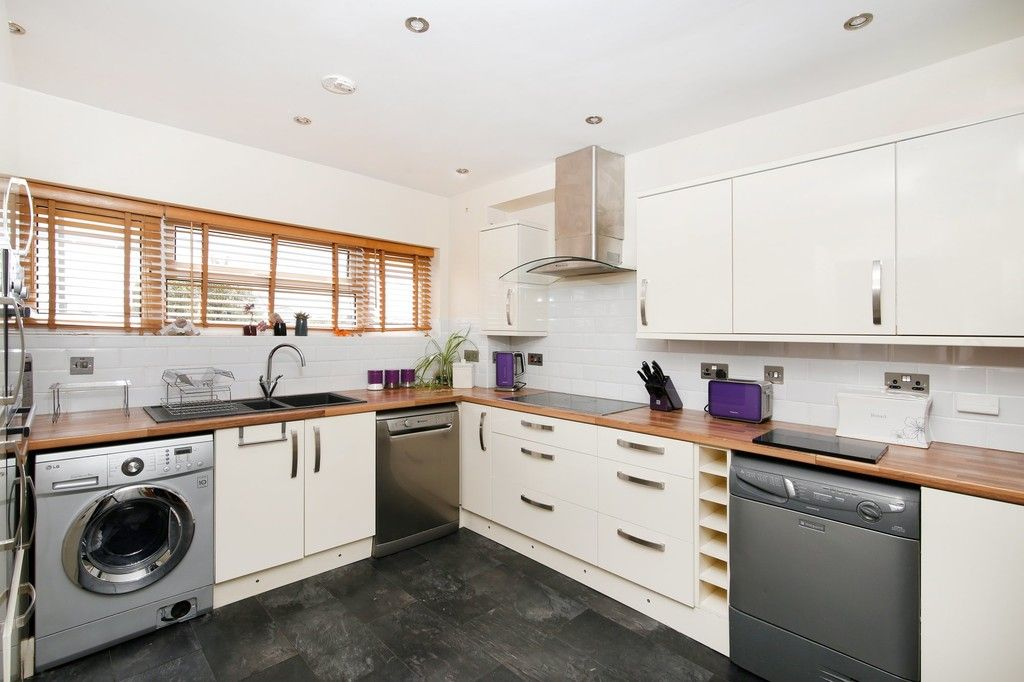 3 bed house for sale in Overcourt Close, Sidcup, DA15  - Property Image 3