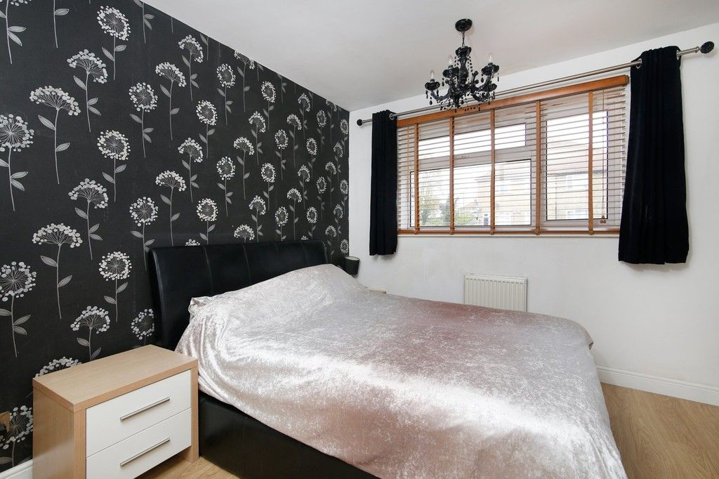 3 bed house for sale in Overcourt Close, Sidcup, DA15  - Property Image 4
