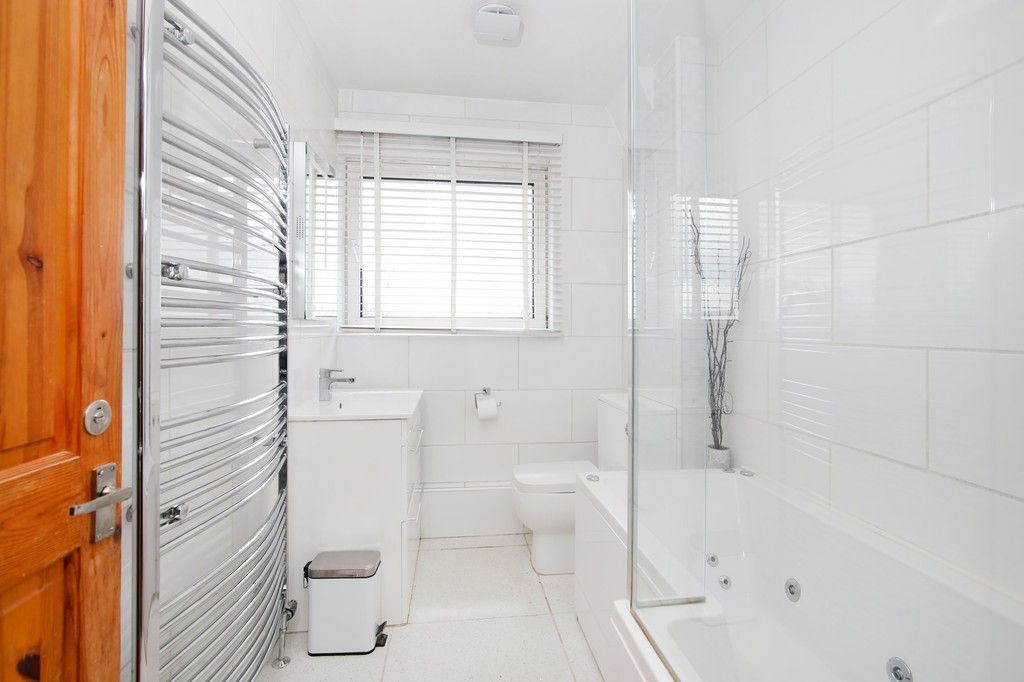 3 bed house for sale in Overcourt Close, Sidcup, DA15  - Property Image 6