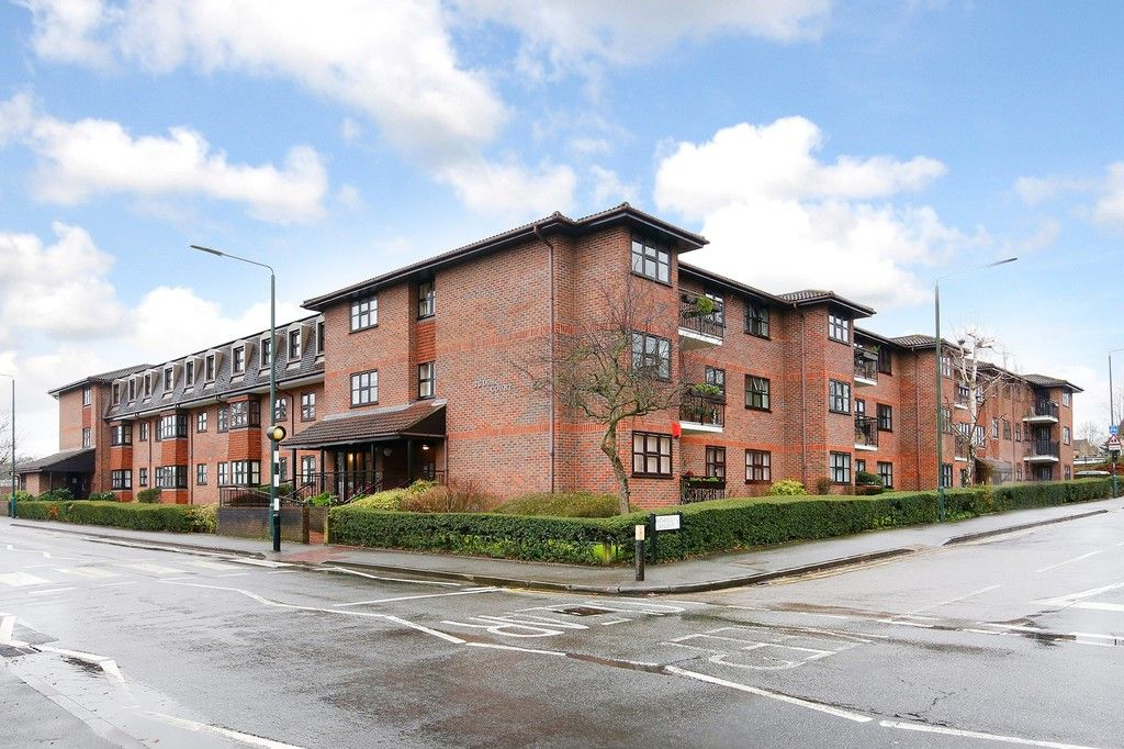 2 bed flat for sale in Hatherley Crescent, Sidcup, DA14  - Property Image 1