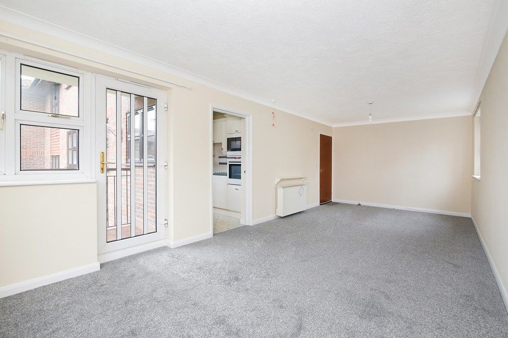 2 bed flat for sale in Hatherley Crescent, Sidcup, DA14  - Property Image 2