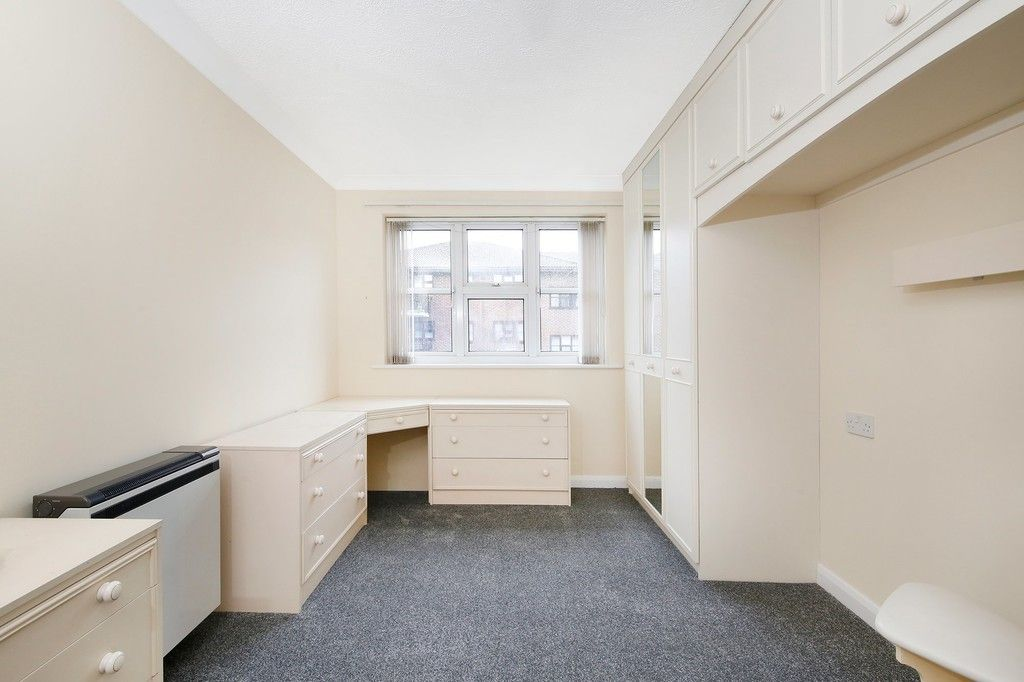 2 bed flat for sale in Hatherley Crescent, Sidcup, DA14  - Property Image 4