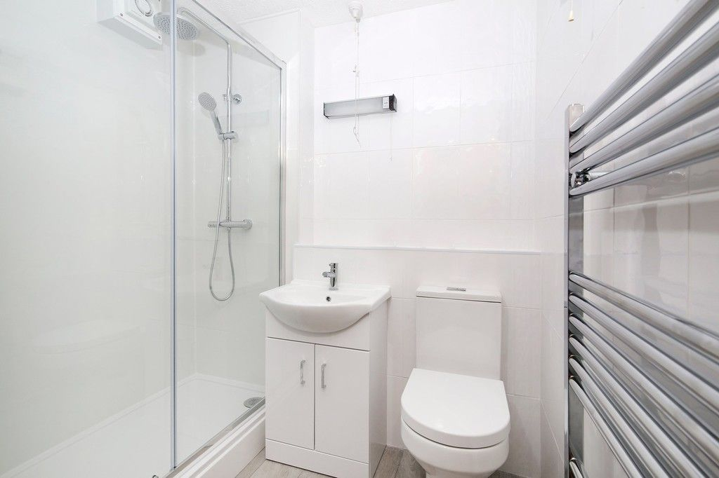 2 bed flat for sale in Hatherley Crescent, Sidcup, DA14  - Property Image 5