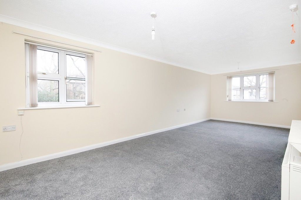 2 bed flat for sale in Hatherley Crescent, Sidcup, DA14  - Property Image 8