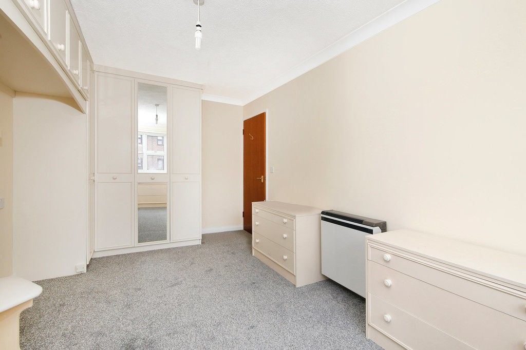 2 bed flat for sale in Hatherley Crescent, Sidcup, DA14  - Property Image 9
