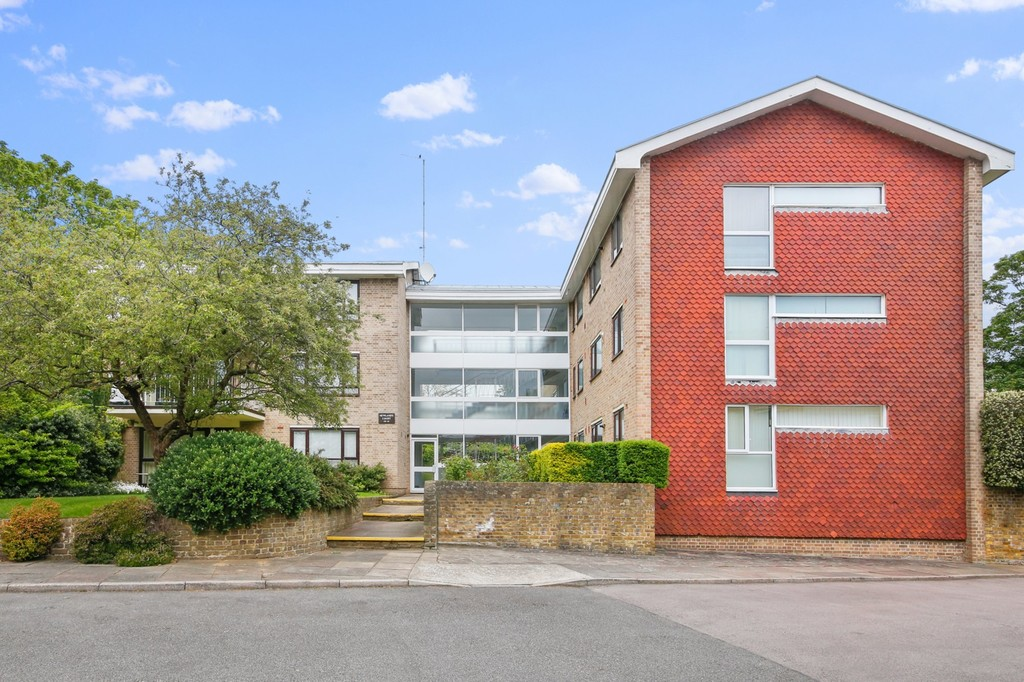 2 bed flat for sale in Footscray Road, Eltham, SE9 - Property Image 1