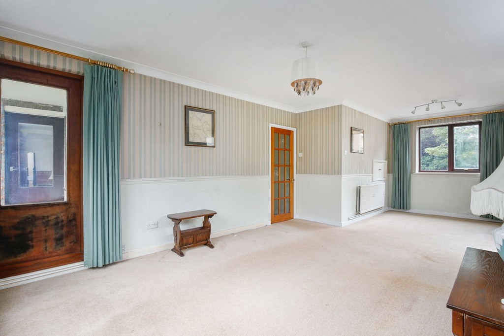 2 bed flat for sale in Footscray Road, Eltham, SE9  - Property Image 2
