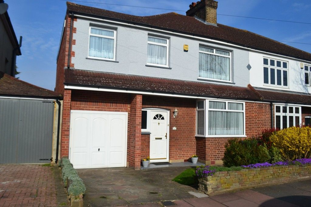4 bed house for sale in Old Farm Road West, Sidcup, DA15  - Property Image 1