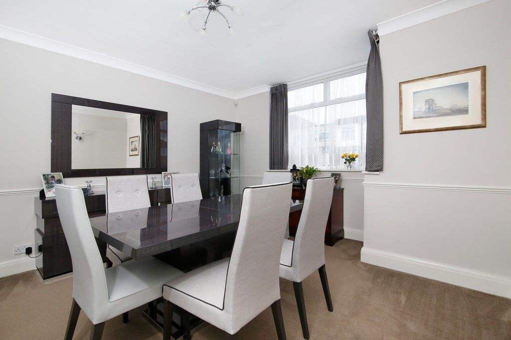 4 bed house for sale in Old Farm Road West, Sidcup, DA15  - Property Image 3