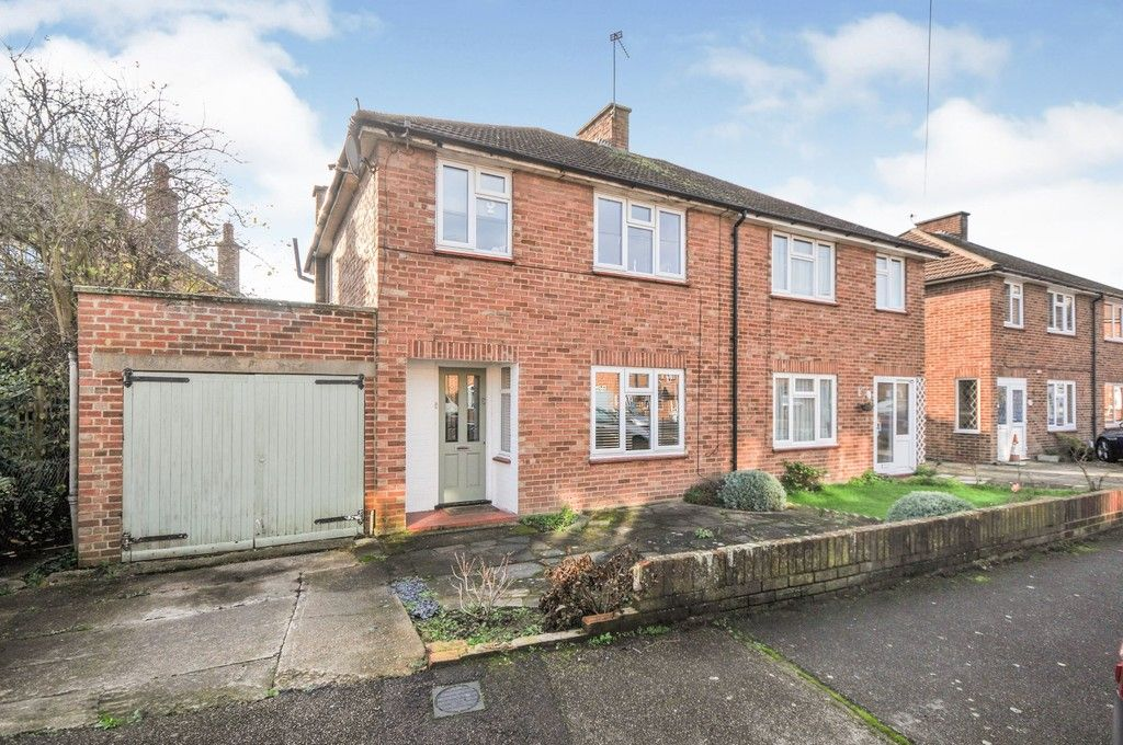 3 bed house for sale in Ruxley Close, Sidcup, DA14  - Property Image 1