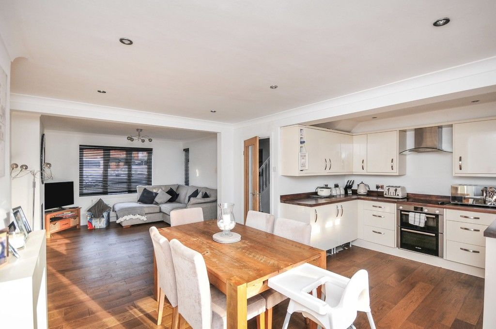 3 bed house for sale in Ruxley Close, Sidcup, DA14  - Property Image 2