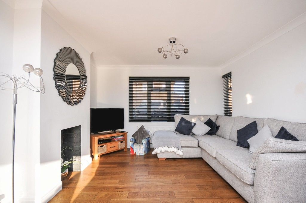 3 bed house for sale in Ruxley Close, Sidcup, DA14  - Property Image 3