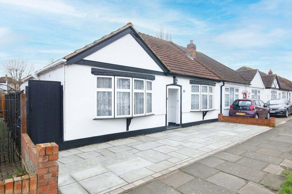 2 bed bungalow for sale in Woodlands Avenue, Sidcup, DA15, DA15
