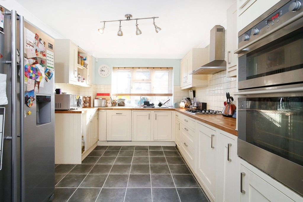 4 bed house for sale in Highview Road, Sidcup, DA14  - Property Image 4