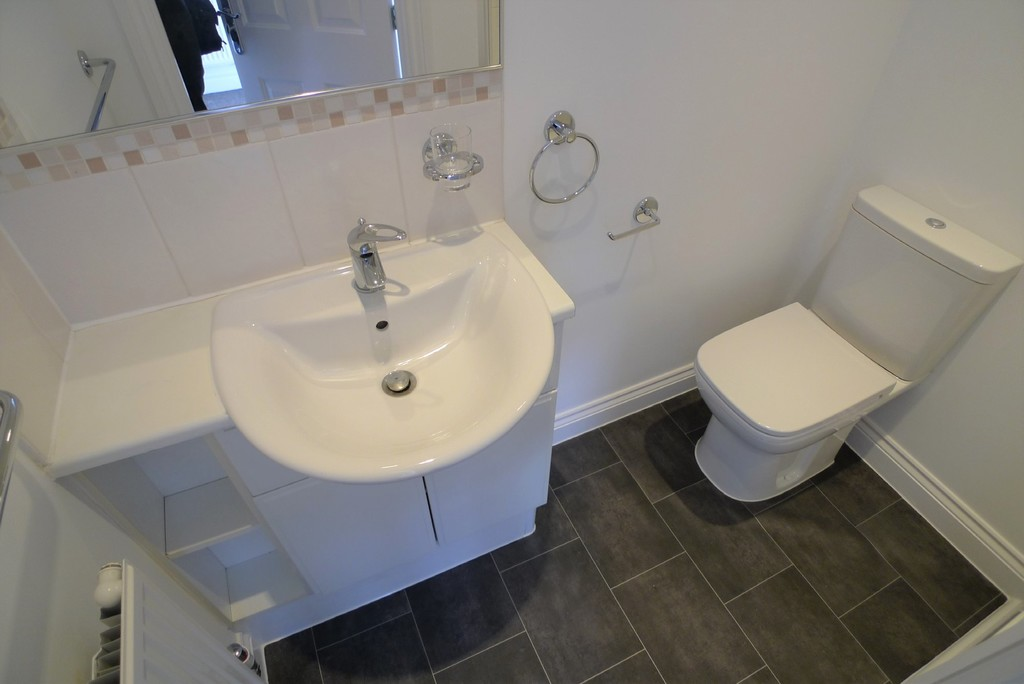 2 bed house to rent in Sparkes Close, Bromley, BR2 12
