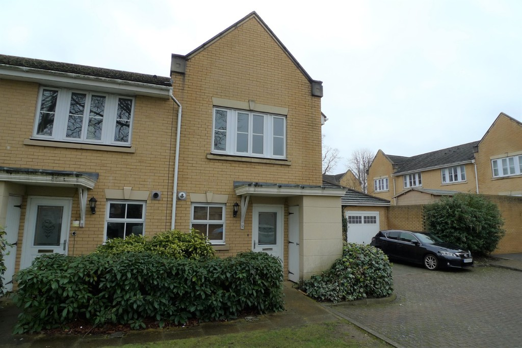 2 bed house to rent in Sparkes Close, Bromley, BR2 15