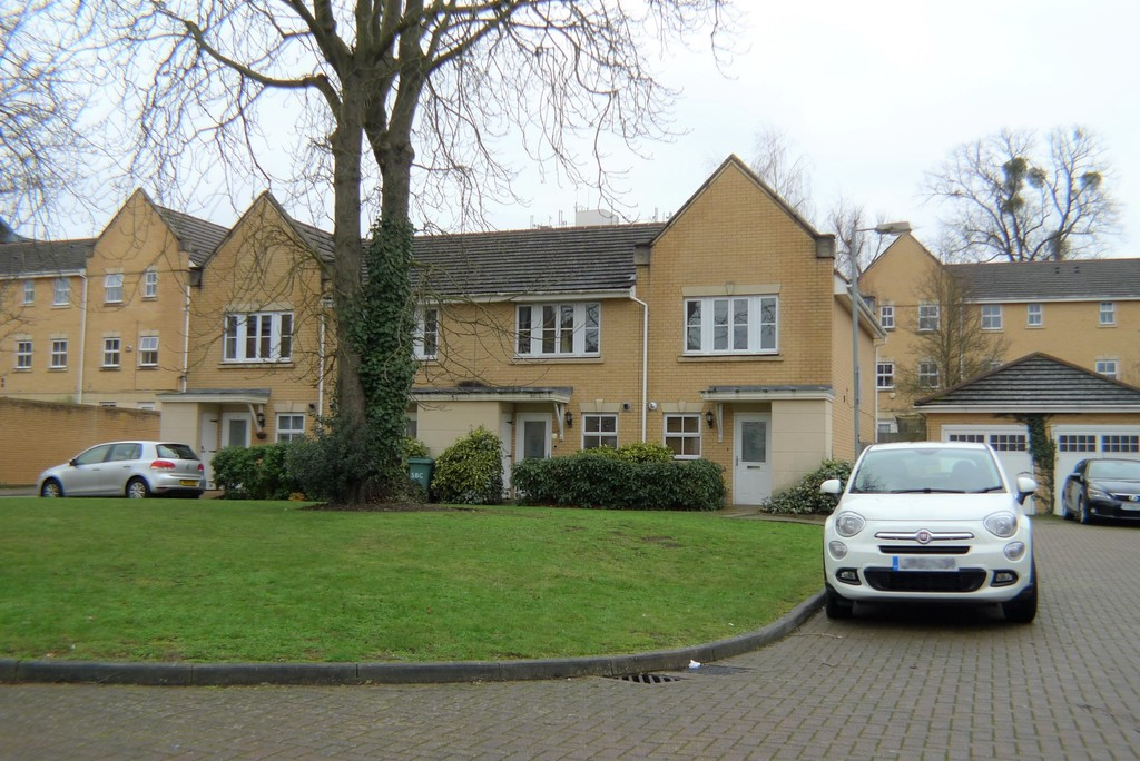 2 bed house to rent in Sparkes Close, Bromley, BR2 16