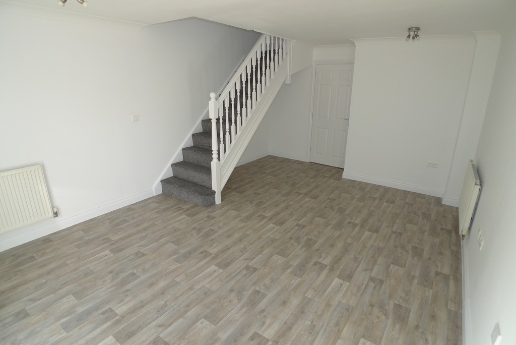 2 bed house to rent in Sparkes Close, Bromley, BR2  - Property Image 3