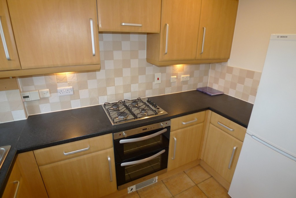 2 bed house to rent in Sparkes Close, Bromley, BR2 6