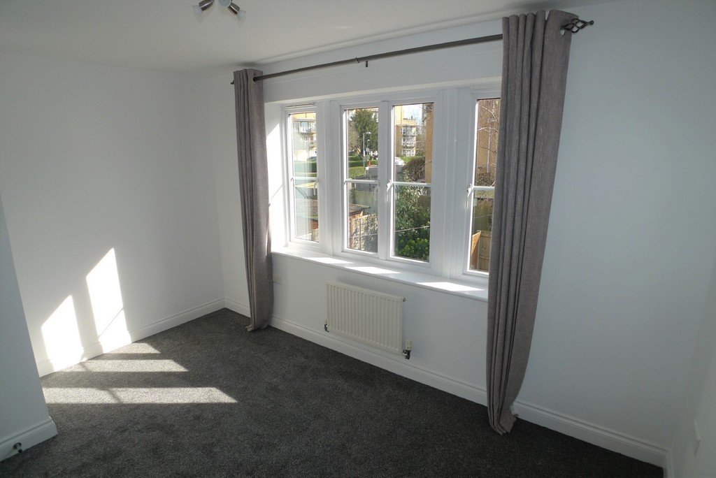 2 bed house to rent in Sparkes Close, Bromley, BR2 8