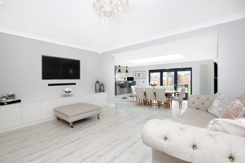 3 bed bungalow for sale in Woodlands Avenue, Sidcup, DA15  - Property Image 3