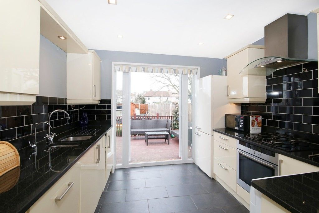 3 bed house for sale in Wellington Avenue, Sidcup, DA15  - Property Image 3