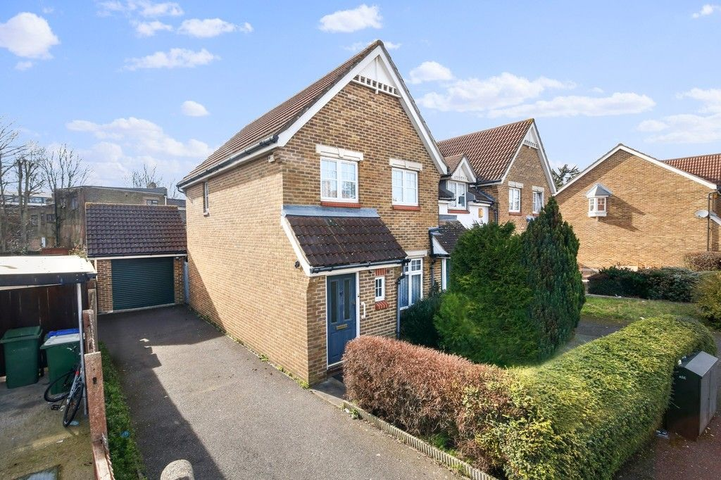 3 bed house for sale in Northdown Road, Welling, DA16  - Property Image 1