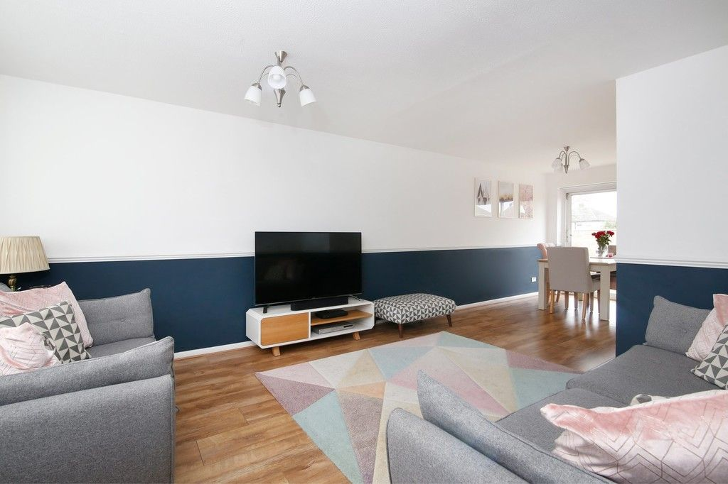 3 bed house for sale in Mark Close, Bexleyheath, DA7  - Property Image 2