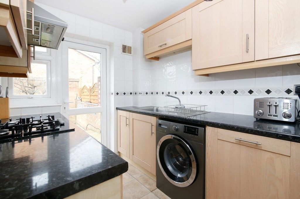 3 bed house for sale in Mark Close, Bexleyheath, DA7  - Property Image 8