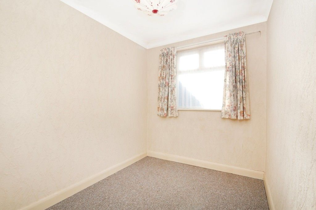 3 bed bungalow for sale in Northumberland Avenue, Welling, DA16  - Property Image 11