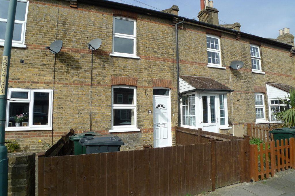 2 bed house to rent in Blenheim Road, Dartford, DA1 1