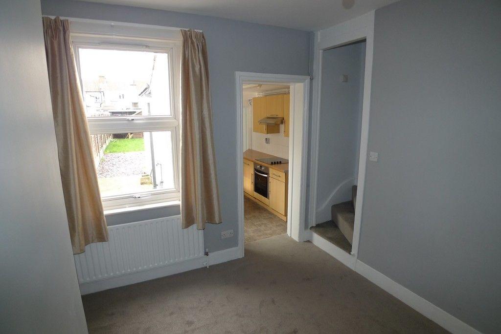 2 bed house to rent in Blenheim Road, Dartford, DA1 4