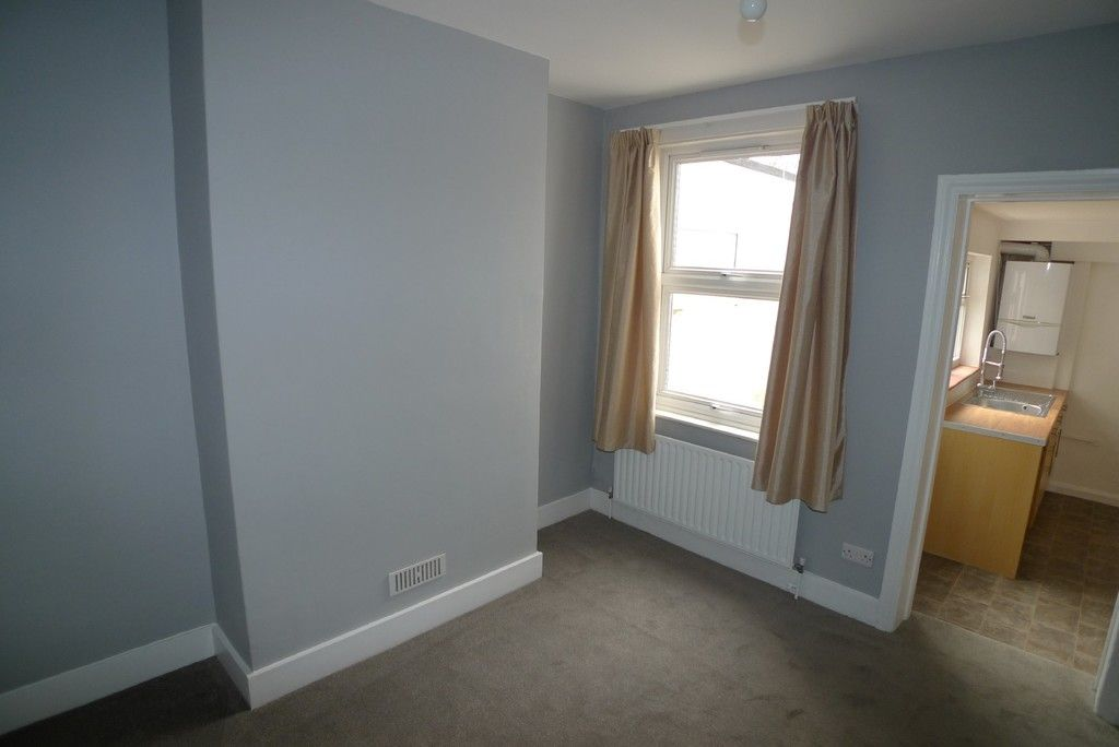 2 bed house to rent in Blenheim Road, Dartford, DA1  - Property Image 5