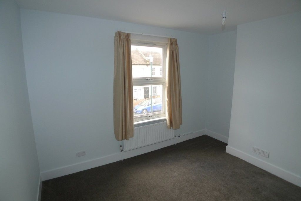 2 bed house to rent in Blenheim Road, Dartford, DA1 7