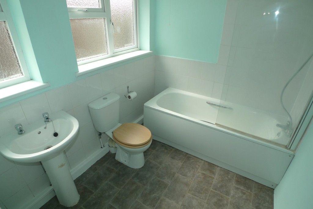 2 bed house to rent in Blenheim Road, Dartford, DA1 9
