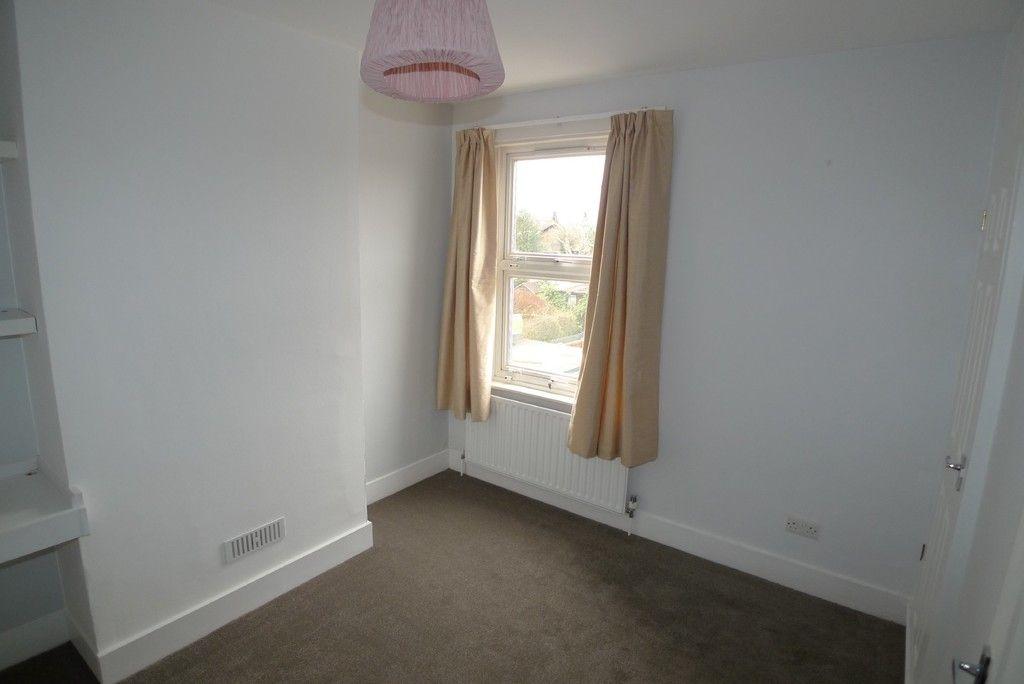 2 bed house to rent in Blenheim Road, Dartford, DA1 10