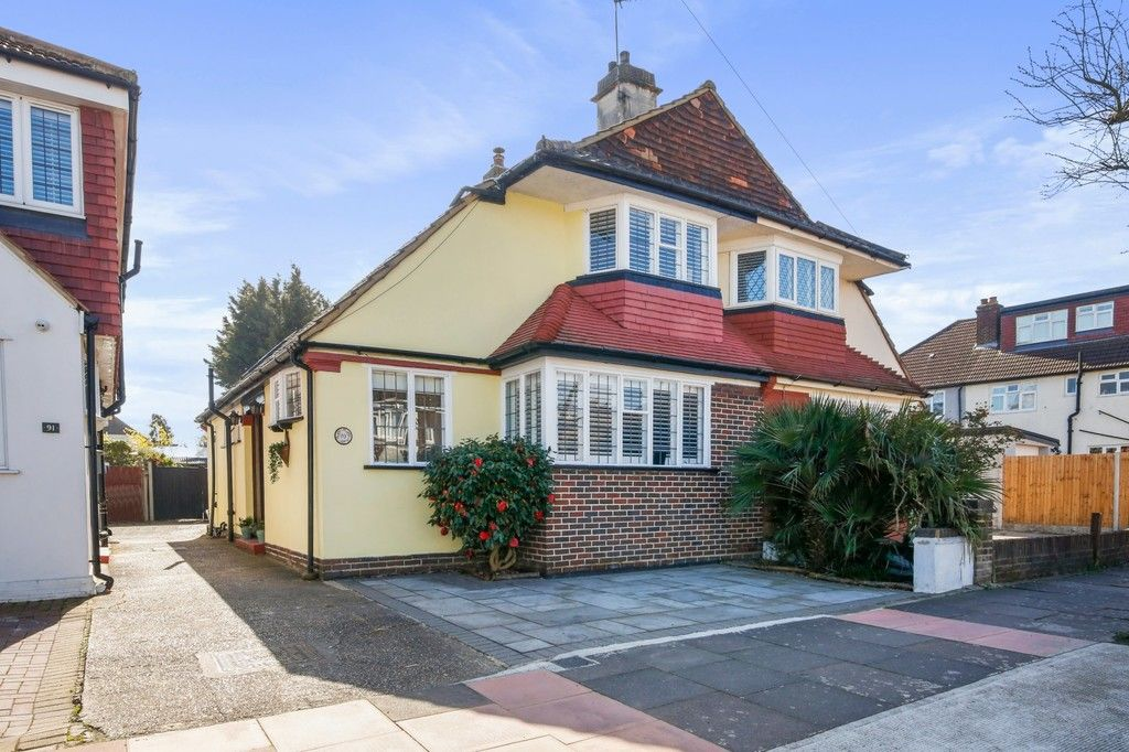 3 bed house for sale in Crombie Road, Sidcup, DA15 - Property Image 1