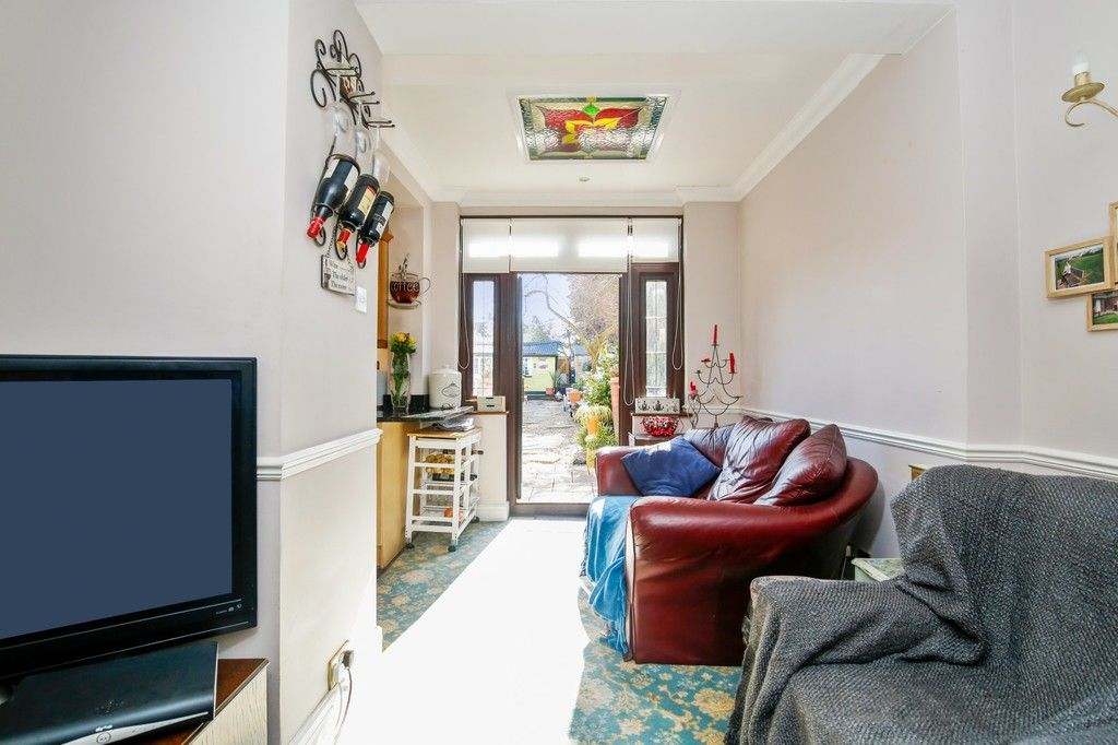 3 bed house for sale in Crombie Road, Sidcup, DA15  - Property Image 3
