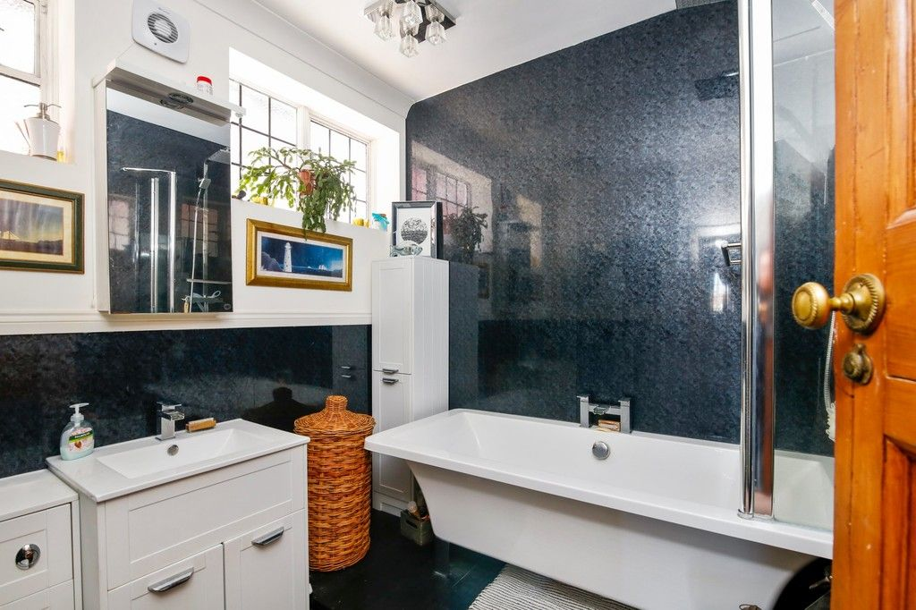 3 bed house for sale in Crombie Road, Sidcup, DA15  - Property Image 5