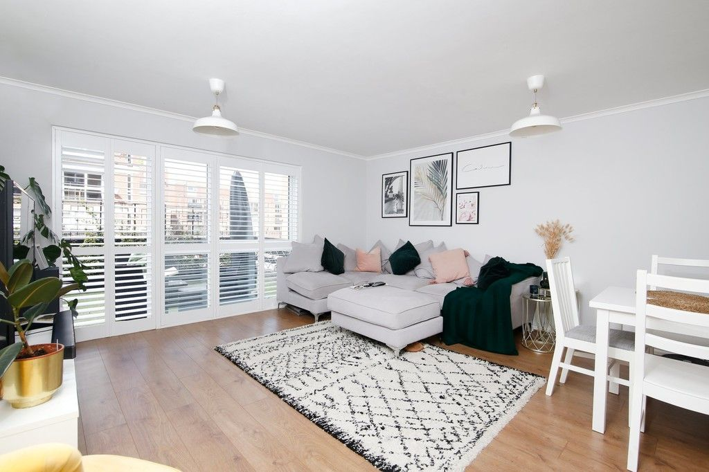 3 bed flat for sale in Manor Road, Sidcup, DA15  - Property Image 2