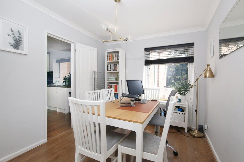 3 bed flat for sale in Manor Road, Sidcup, DA15  - Property Image 3